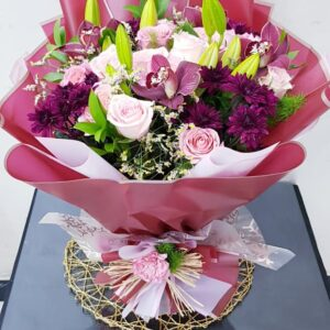 Mix Lilies and Blooms